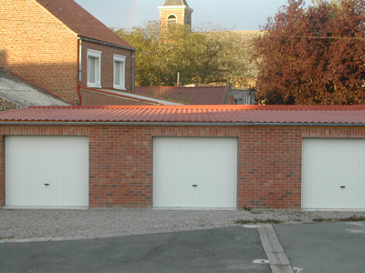 Couverture d'un lot de garages.