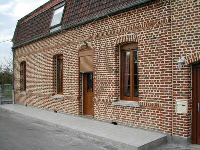 ravalement facade maison brique ventana blog. Black Bedroom Furniture Sets. Home Design Ideas